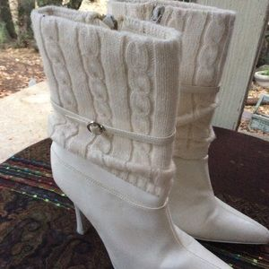"""BUNDLE ME! Vintage White Pointed toe boots 4"""" 6.5"""